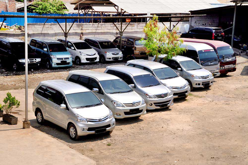 Rental Mobil Gading Serpong