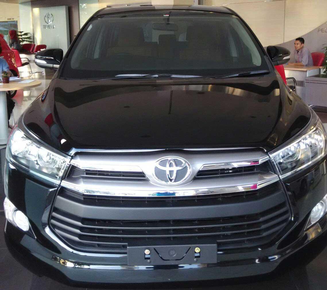 Rental Mobil Tangerang Innova